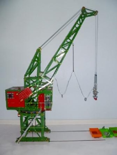 SML35 Level Luffing Dockside Crane