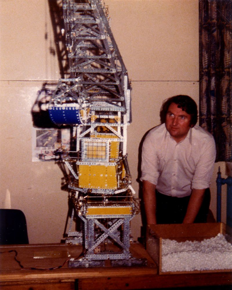 Eddie Oatley with level-luffing grab crane at our first exhibition on 29th September 1979