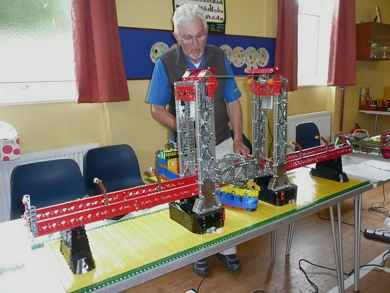 Ivor Ellard with his American-style lift bridge at the meeting on 23rd June 2012