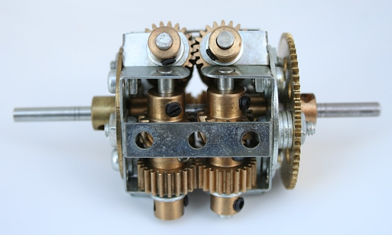 Figure 7.1: Meccano model of a Torsen type, 3 path differential